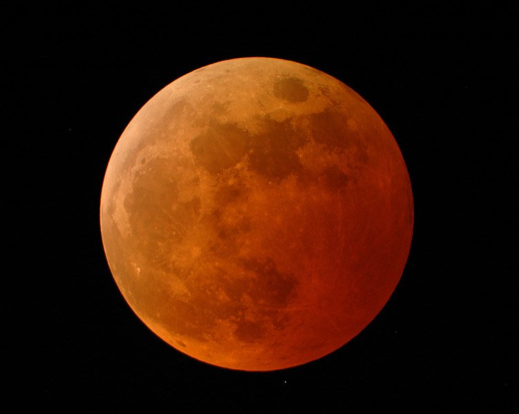 Curta o eclipse lunar, sem sangue!