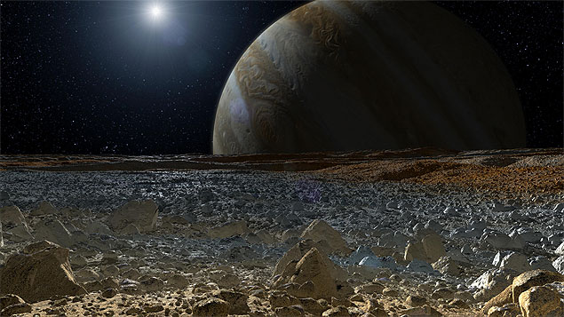 Europa pode ter um ecossistema alienígena, esperando para ser estudado. O duro é chegar lá. (Crédito: Nasa)