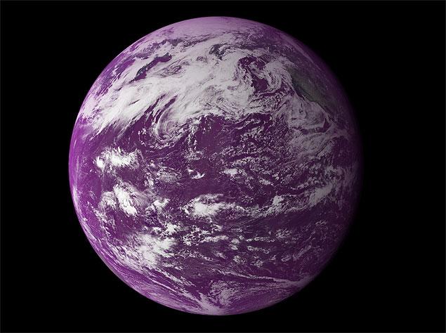 Em seus primórdios, a Terra já teve muito mais área coberta por oceanos. E era púrpura!