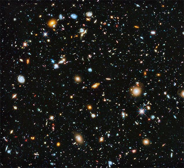 Imagem do Campo Ultraprofundo do Hubble 2014, que teve participação brasileira.