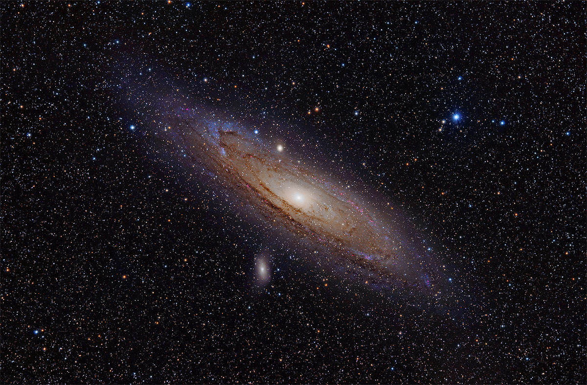 A galáxia de Andrômeda tem o dobro da massa da Via Láctea