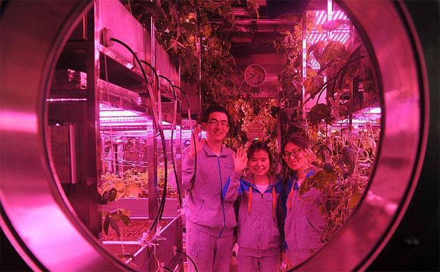 Voluntários chineses completam estadia de 105 dias no Lunar Palace 1