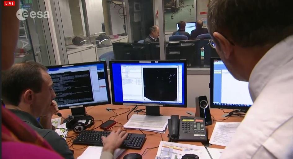 Imagens e dados recebidos no centro em Toulouse, que trabalha com o pacote científico inicial transmitido pelo Philae.