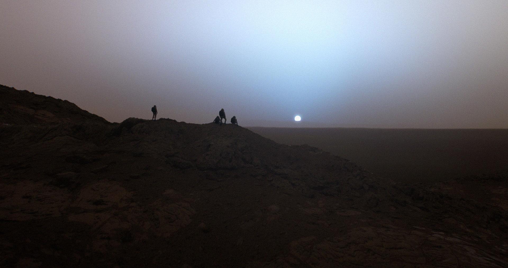 Um pôr do Sol em Marte, baseado em imagens reais obtidas pelo jipe Spirit!