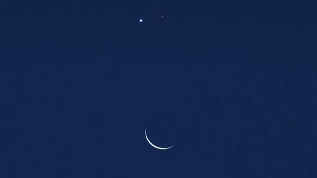 Concepção artística do encontro entre Vênus, Marte e a Lua, nesta sexta (20). (Crédito: Salvador Nogueira)