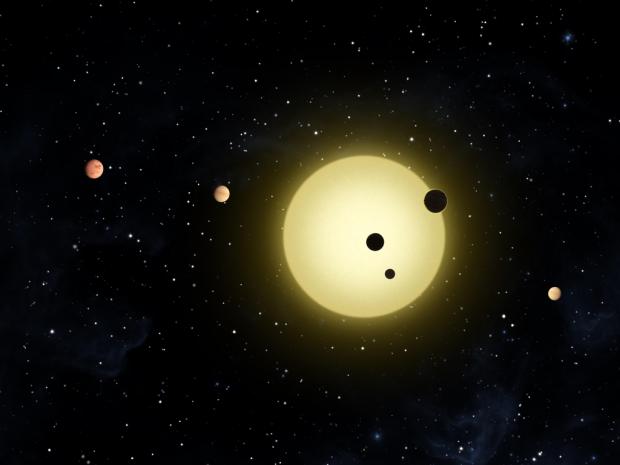 Será que o Sistema Solar já foi parecido com Kepler-11, com vários planetas maiores que a Terra próximos ao Sol? (Crédito: Nasa)