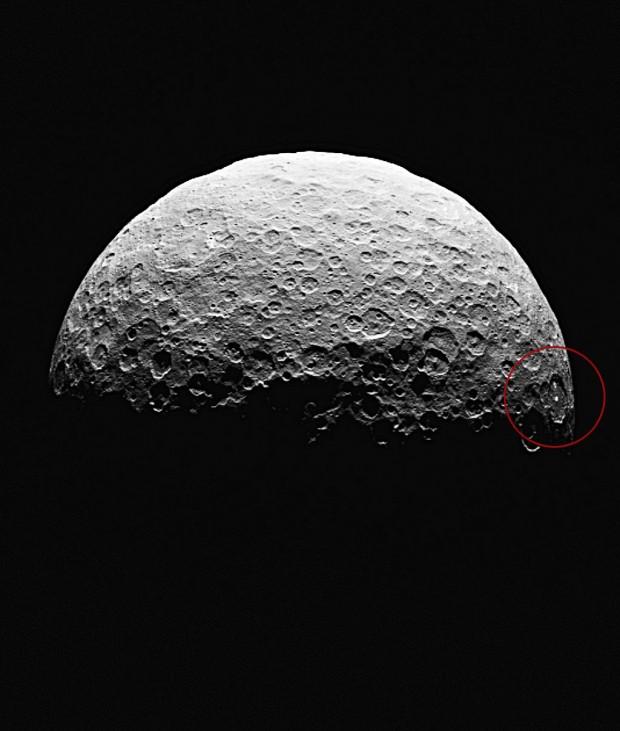 Imagem obtida pela Dawn a 22 mil km da superfície, entre 14 e 15 de abril (Crédito: Nasa)