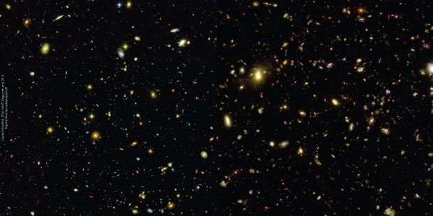 Imagem do projeto Illustris compara Universo real fotografado pelo Hubble (à esquerda) com o simulado (à direita)