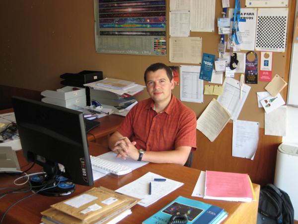 O astrônomo português Nuno Santos, da Universidade do Porto (Crédito: UP)