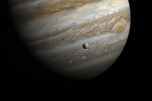 Concepção artística de plumas de água emanando de Europa, lua de Júpiter (Crédito: Nasa)