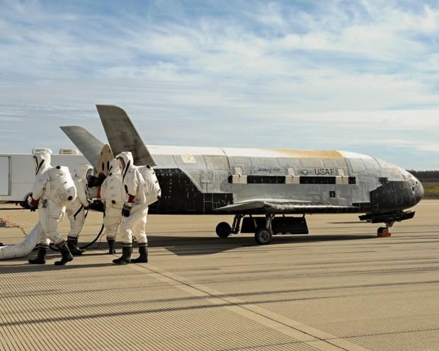 O mini-ônibus espacial X-37B, da Força Aérea americana, após seu último voo, no ano passado (Crédito: USAF)