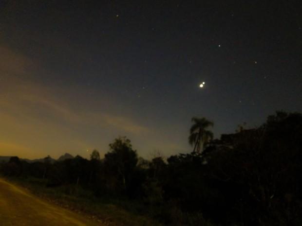 Imagem obtida no dia 29 por Ferreira RA mostra Vênus e Júpiter no céu de Antonina (PR). (Crédito: Ferreira RA)