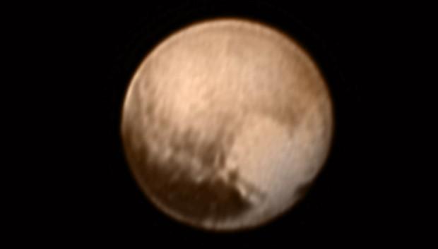 Haja coração, amigo! Plutão já tem o seu, na última imagem da New Horizons! (Crédito: Nasa)