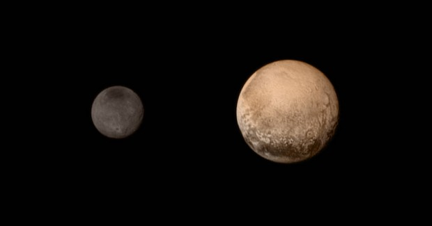 Imagem de Plutão e Caronte feita durante a aproximação final, em 11 de julho, pela sonda New Horizons. Agora vai! (Crédito: Nasa)