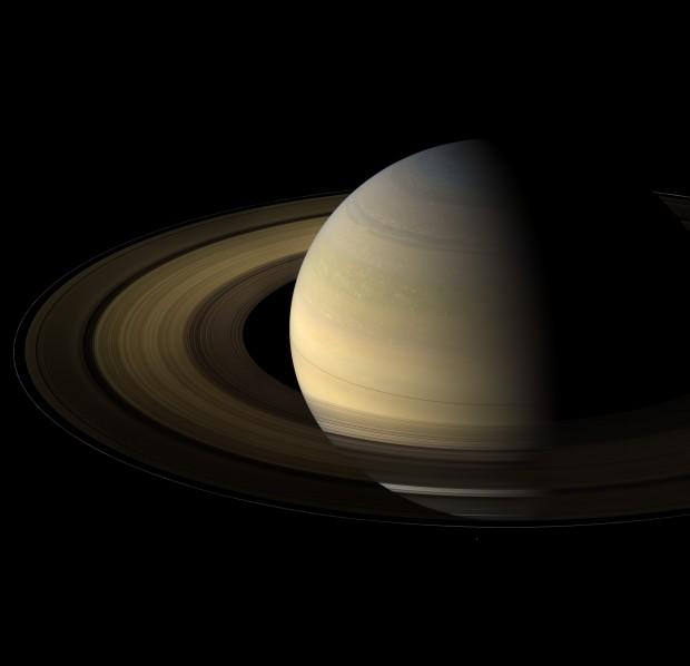 Saturno e seus majestosos anéis, em imagem da sonda Cassini (Crédito: Nasa)
