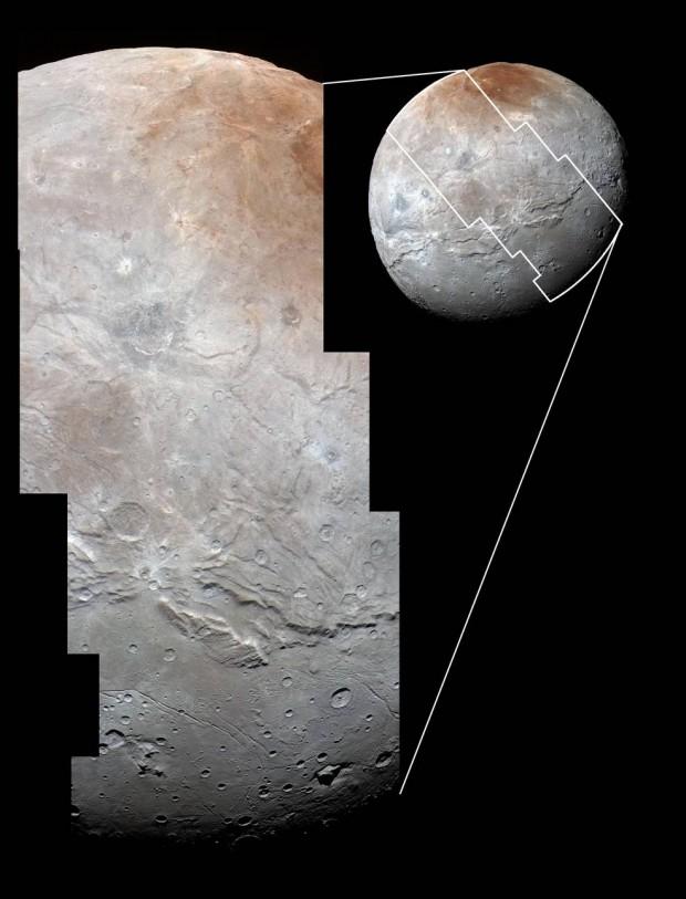 Mosaico de imagens mais próximas feitas pela New Horizons em Caronte. Ainda haverá imagens ainda mais detalhadas! (Crédito: Nasa)