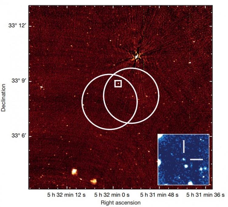 Imagem da fonte FRB 121102. Os círculos indicam a margem de erro na localização pelo radiotelescópio Arecibo, e o recorte indica a observação do VLA (Crédito: Chatterjee et al., Nature)