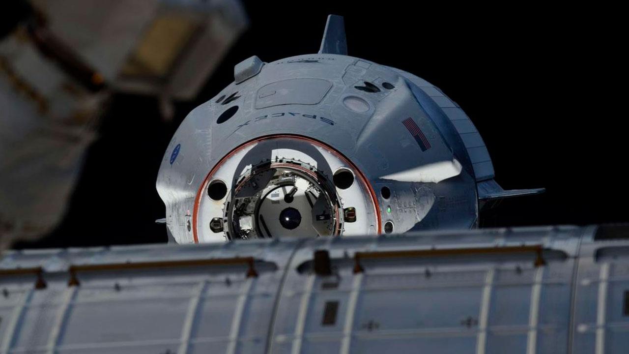 AO VIVO: Acoplagem da cápsula Endeavour (Crew Dragon) à Estação Espacial Internacional